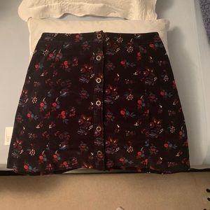 ADORABLE velvety skirt from Hollister, size 7.